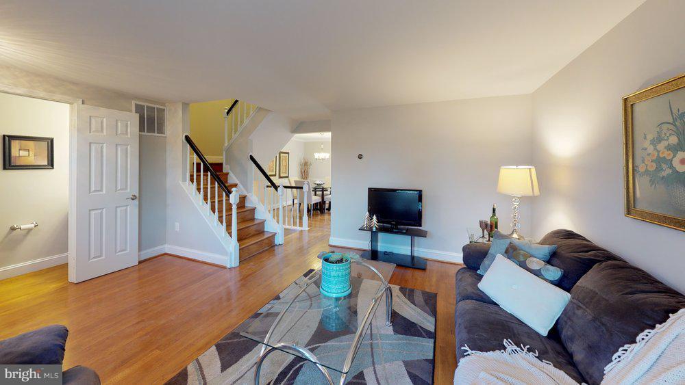 Gleaming hardwood floors on main and upper levels - 10 HARBERT CT, STERLING
