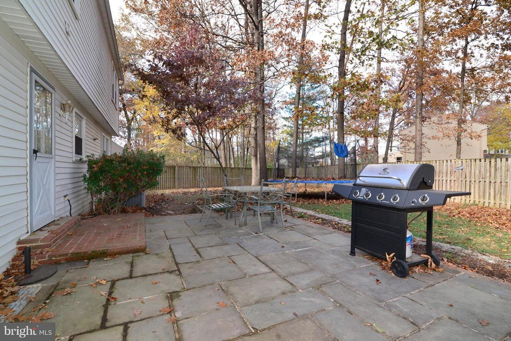 Access from Garage and Kitchen - 12866 GRAYPINE PL, HERNDON