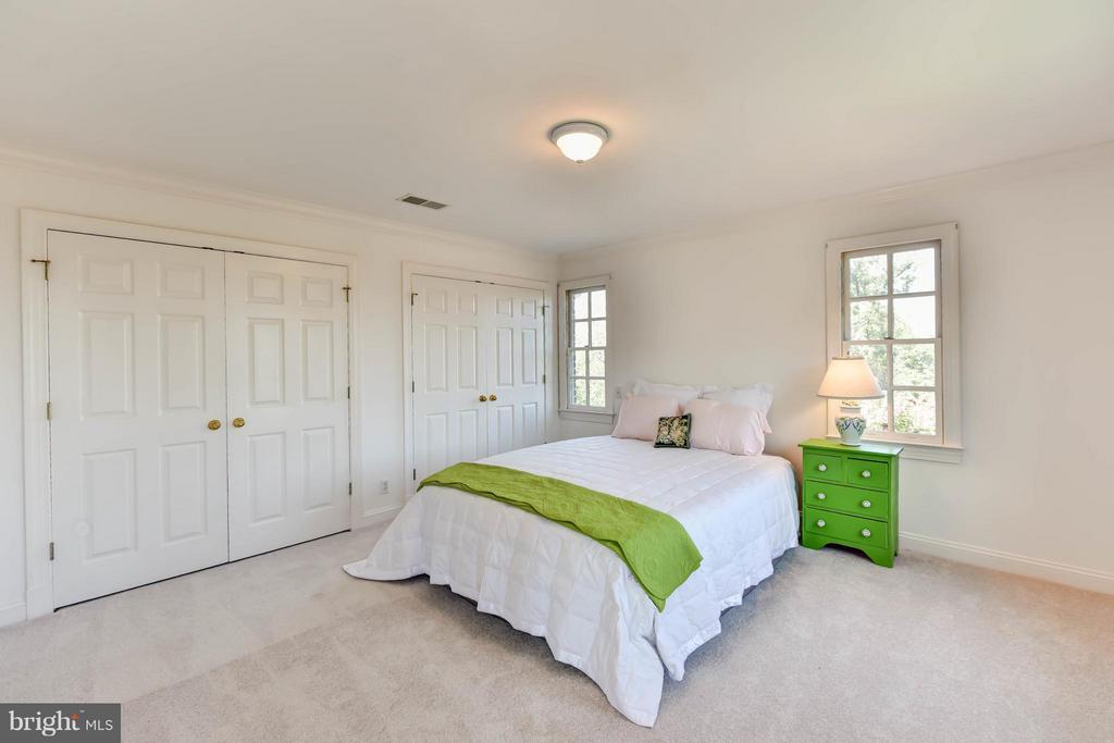 Bedroom#3- enormous closets! - 6040 EDGEWOOD TER, ALEXANDRIA