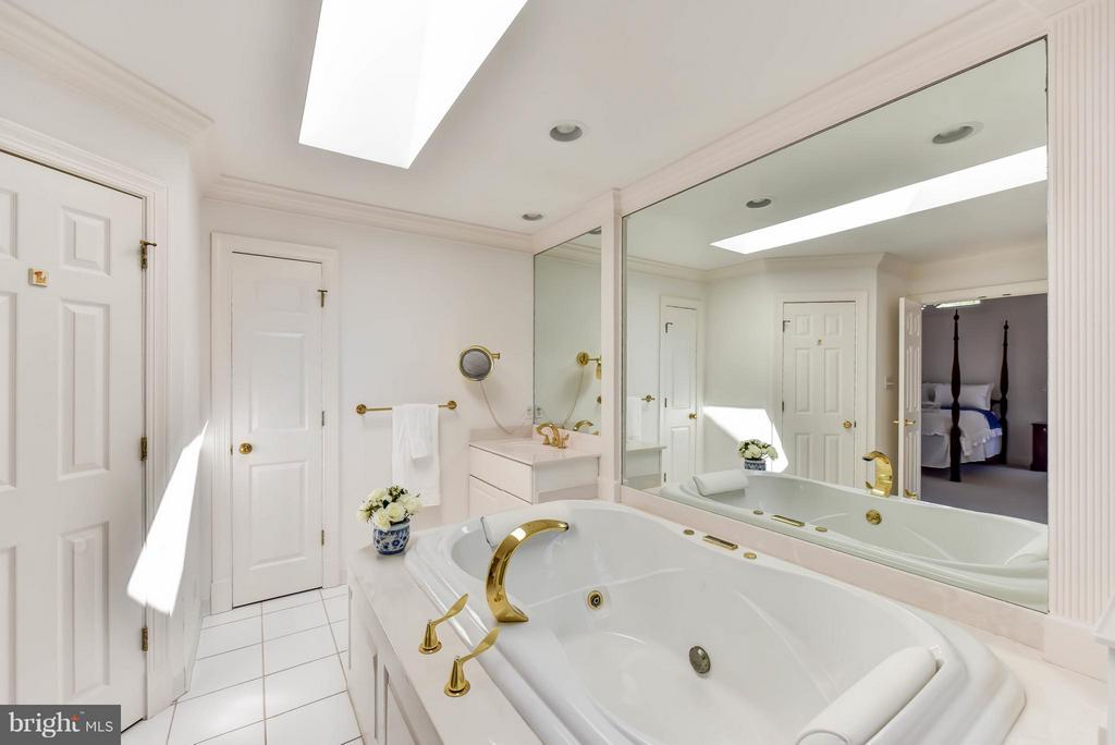Master Bath on Upper Level - 6040 EDGEWOOD TER, ALEXANDRIA