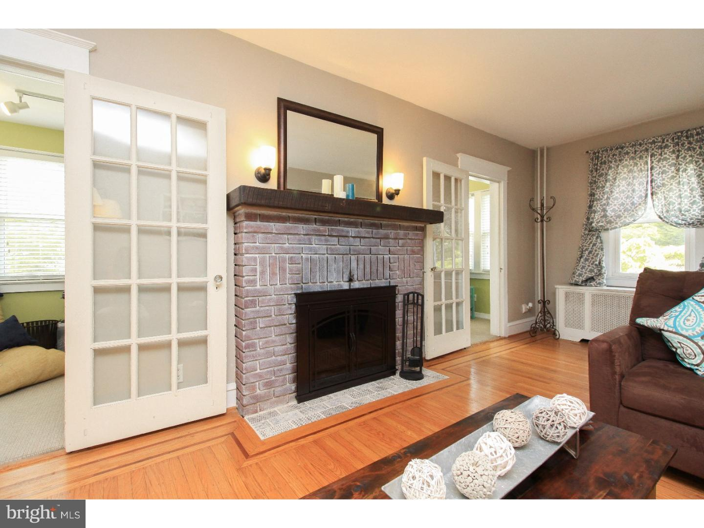 Single Family Home for Sale at 28 E COLLINGSWOOD Avenue Oaklyn, New Jersey 08107 United States