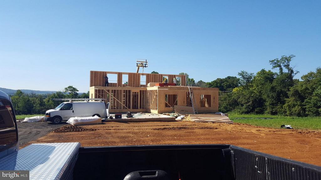 Building your perfect home with all the details - YAKEY LN, LOVETTSVILLE