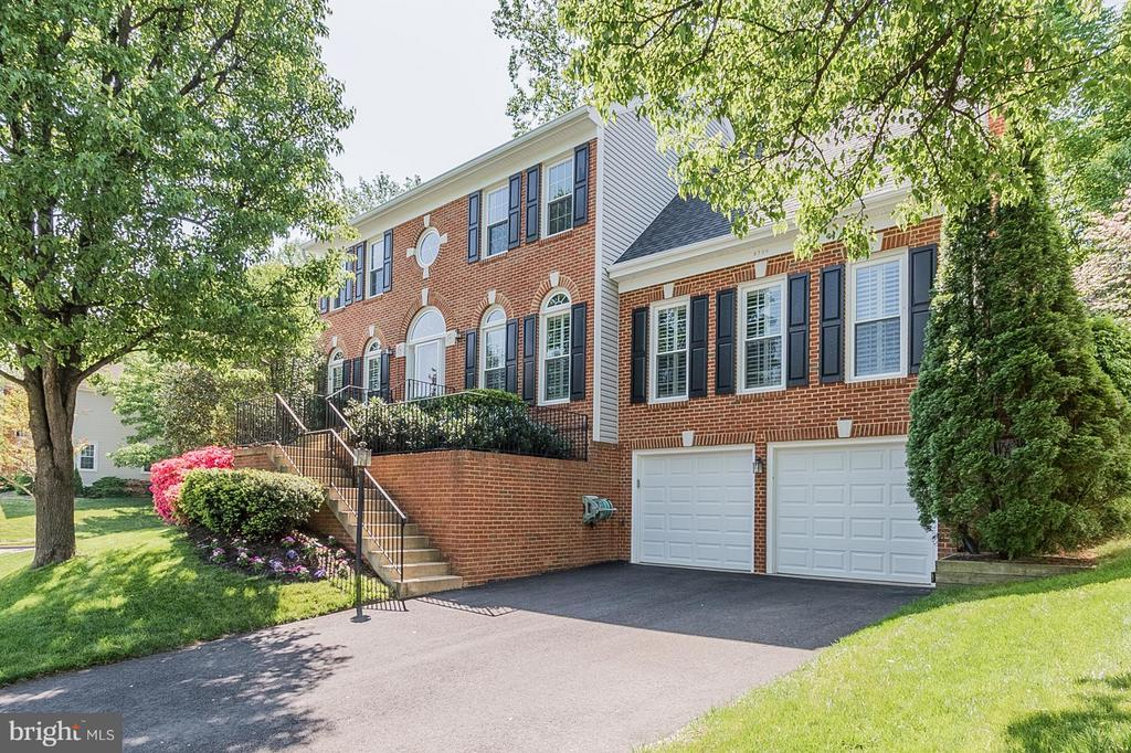 8709  MIDDLEFORD DRIVE, West Springfield, Virginia