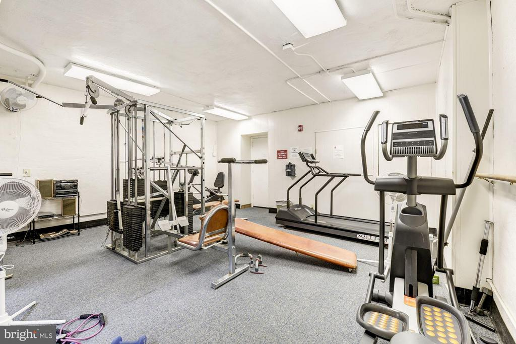 Gym/workout room with sauna and shower - 3901 CATHEDRAL AVE NW #504 (87), WASHINGTON