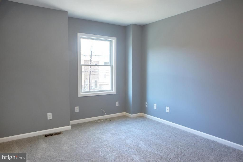Largest Bedroom is the Front Bedroom - 1628 27TH ST SE, WASHINGTON
