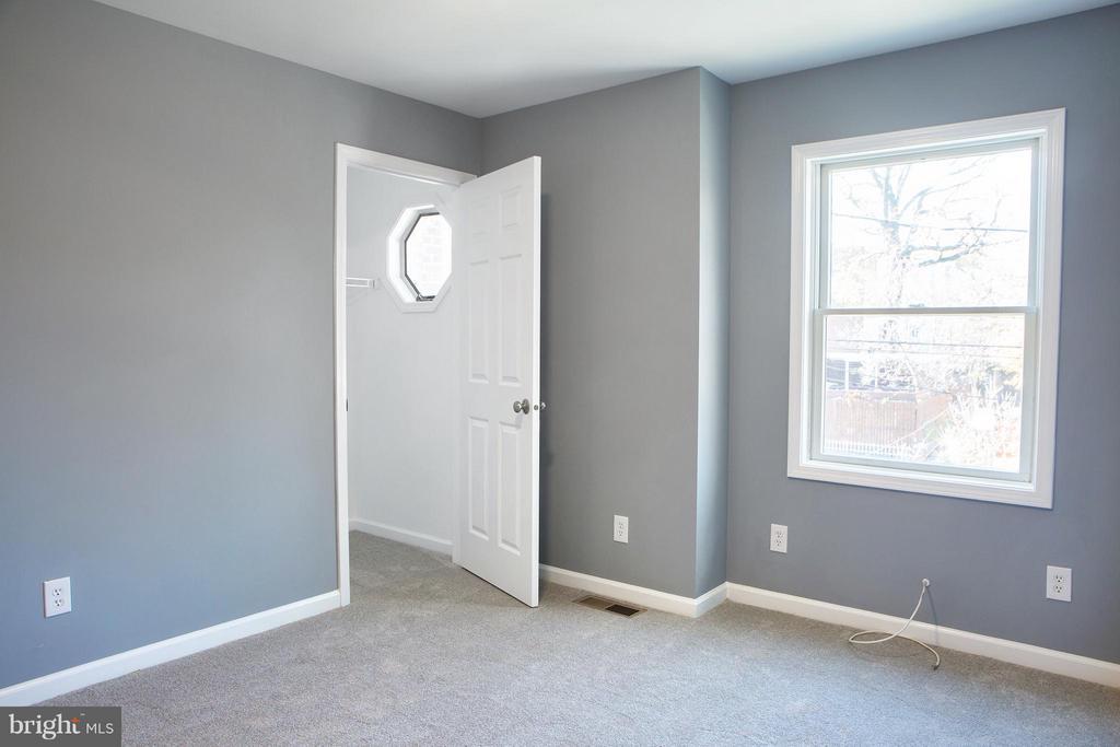 With Walk-in Closet & WtW Carpet - 1628 27TH ST SE, WASHINGTON
