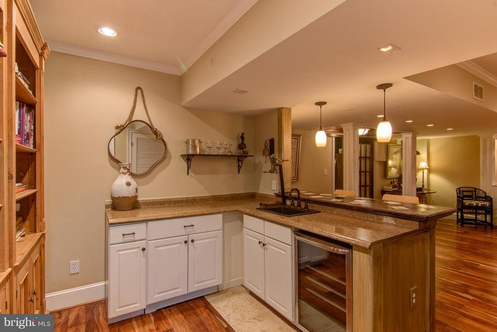 Wine  Cooler and Wet  Bar - 22030 WILLISVILLE RD, UPPERVILLE