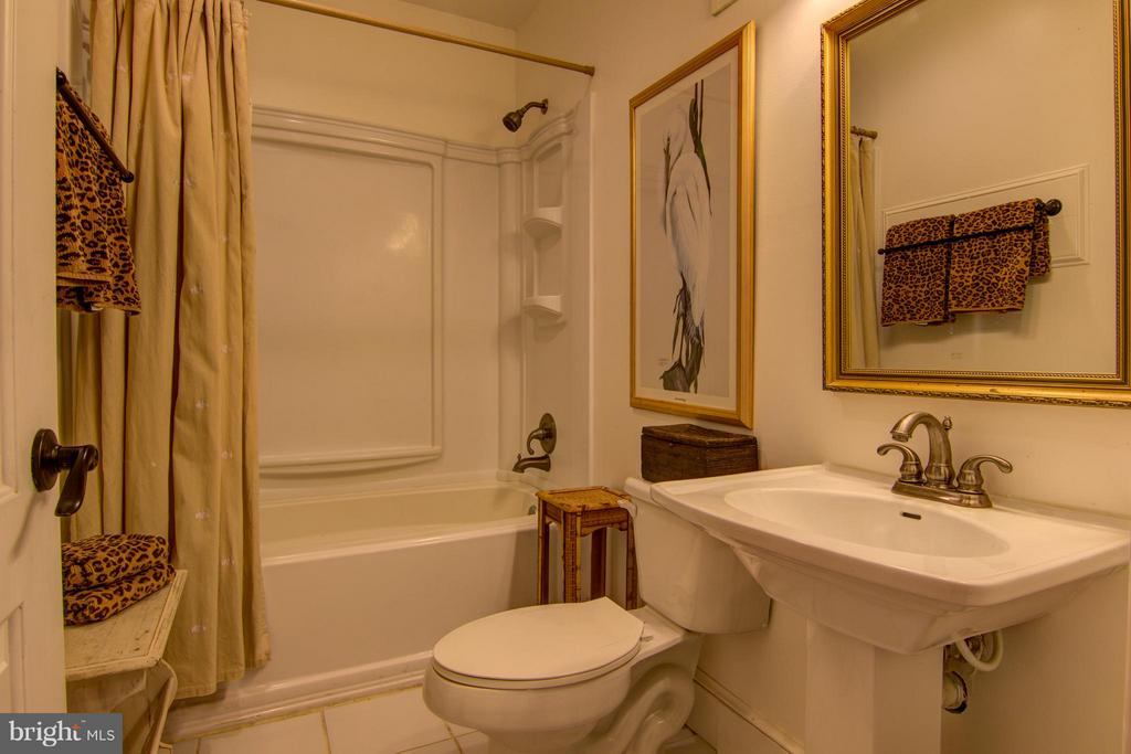 And Full Bath - 22030 WILLISVILLE RD, UPPERVILLE