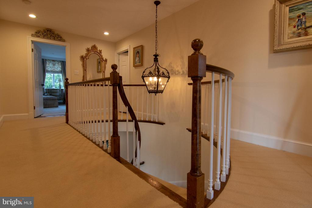 Upstairs Staircase - 22030 WILLISVILLE RD, UPPERVILLE