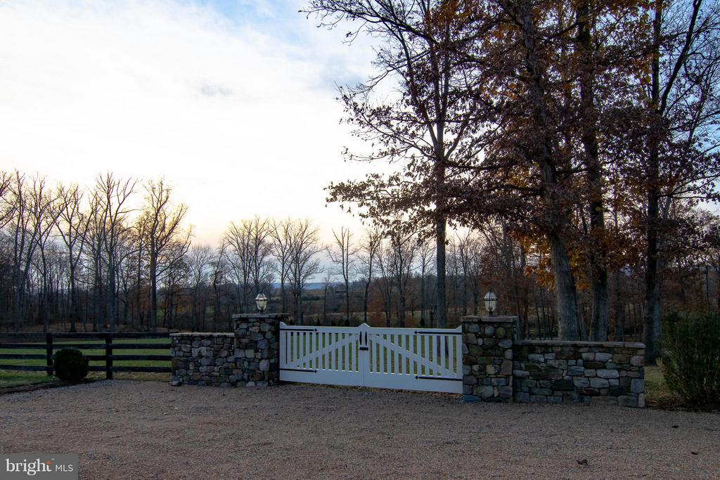 Sunset Views! - 22030 WILLISVILLE RD, UPPERVILLE
