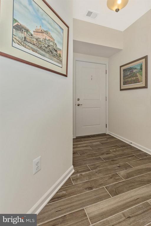 Foyer - 6521 WALCOTT LN #104, FREDERICK