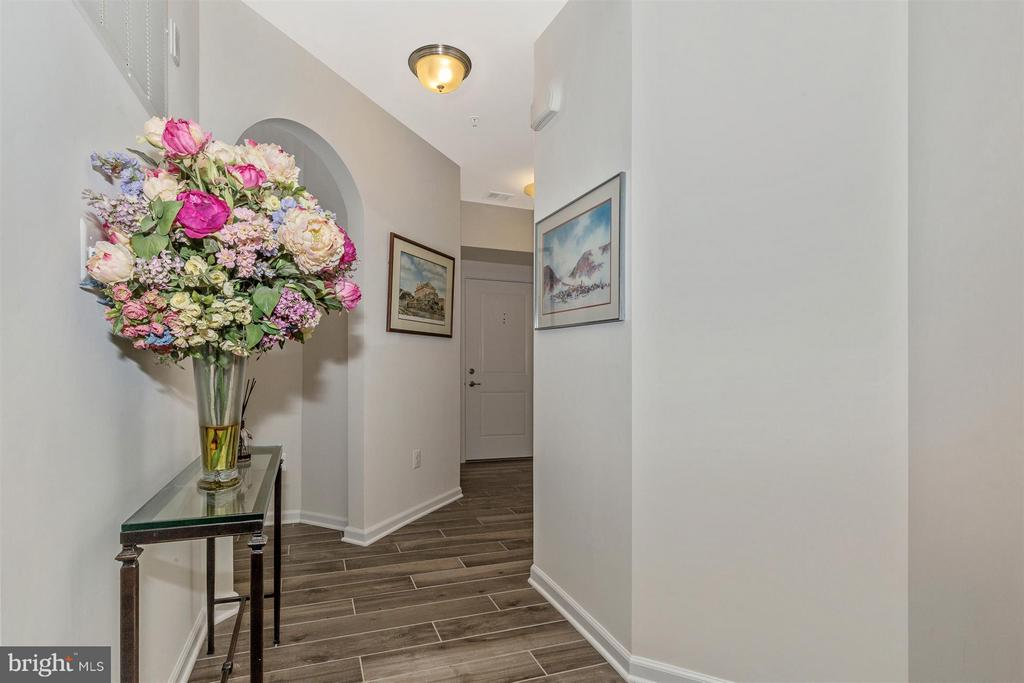 Foyer/Hall - 6521 WALCOTT LN #104, FREDERICK