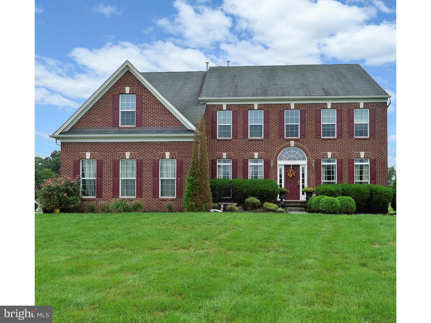 Single Family Home for Sale at 2 MAPLE GLEN Court Swedesboro, New Jersey 08085 United States