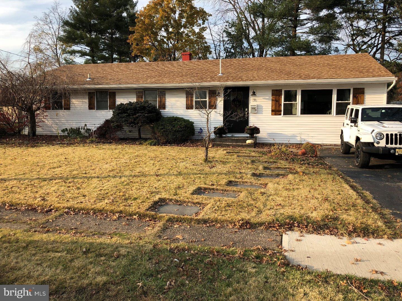 Single Family Home for Sale at 75 SUNSET BLVD Hamilton Square, New Jersey 08690 United StatesMunicipality: Hamilton Township