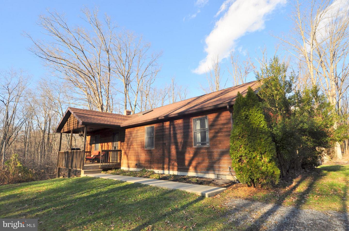 Single Family for Sale at 106 Wild Turkey Ln Berkeley Springs, West Virginia 25411 United States