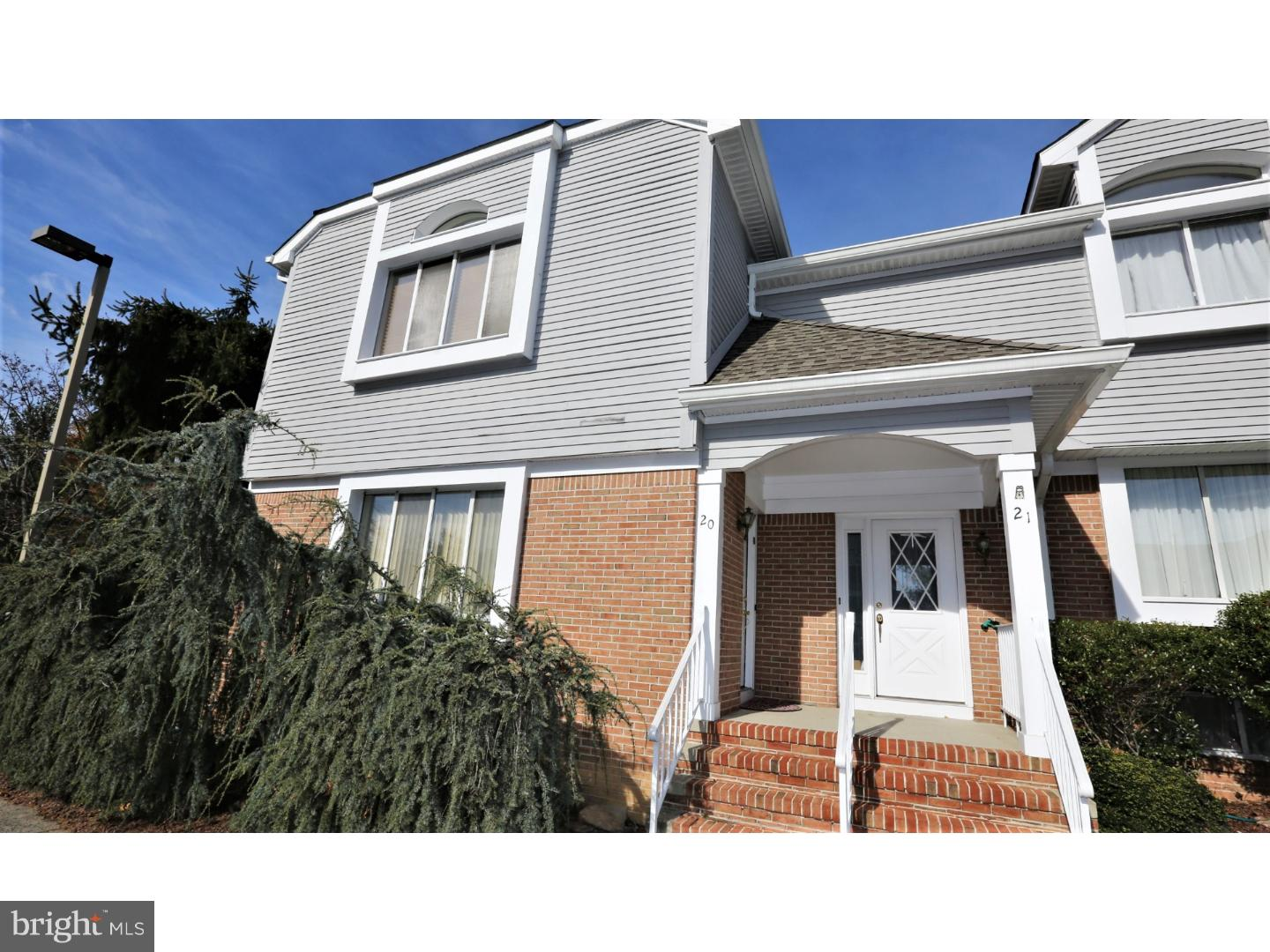 Single Family Home for Sale at 20 LINDA Court Monmouth Junction, New Jersey 08852 United StatesMunicipality: South Brunswick Township