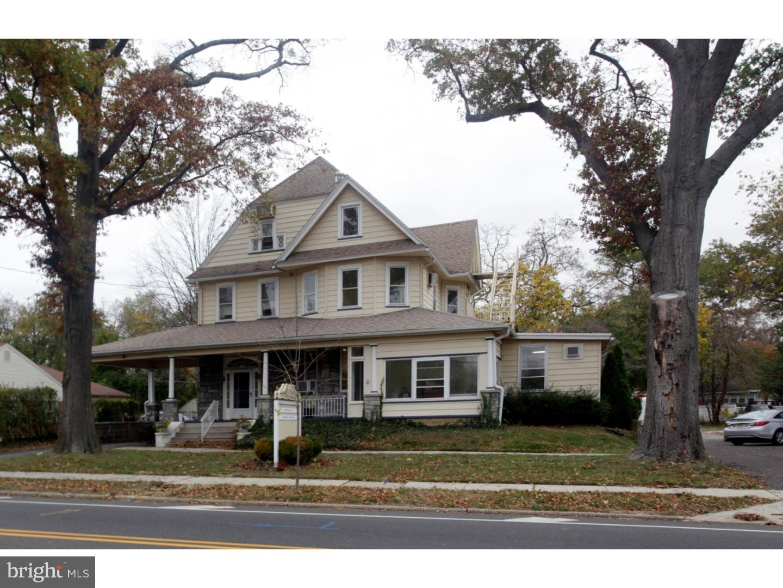 Maison unifamiliale pour l à louer à 125 WHITE HORSE PIKE Haddon Heights, New Jersey 08035 États-Unis