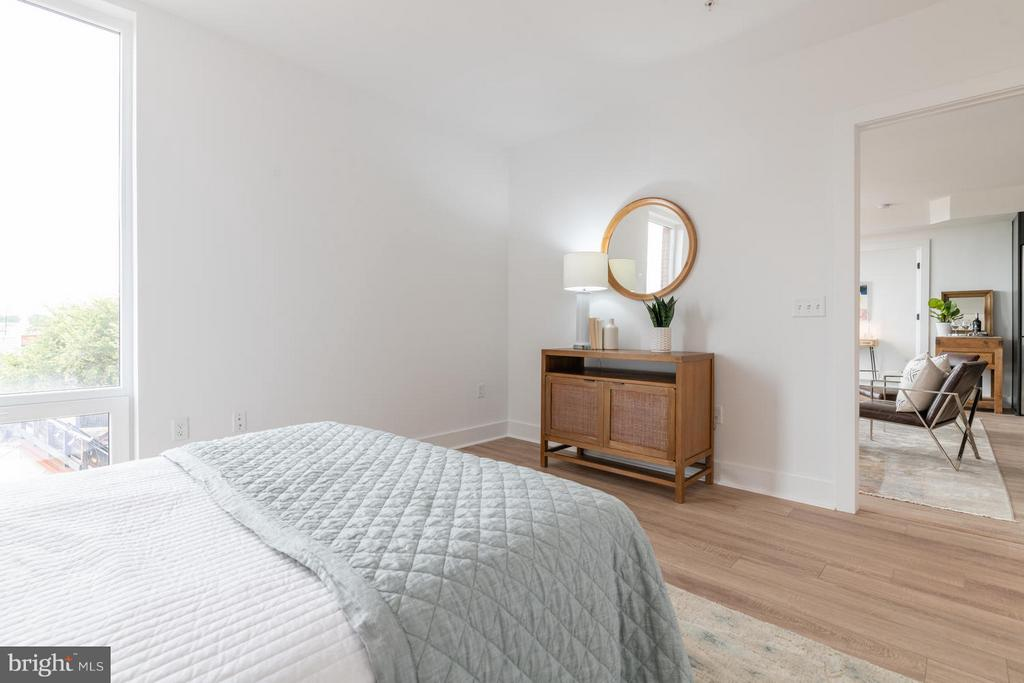 Very large lower level bedroom - 801 VIRGINIA AVE SE #406, WASHINGTON