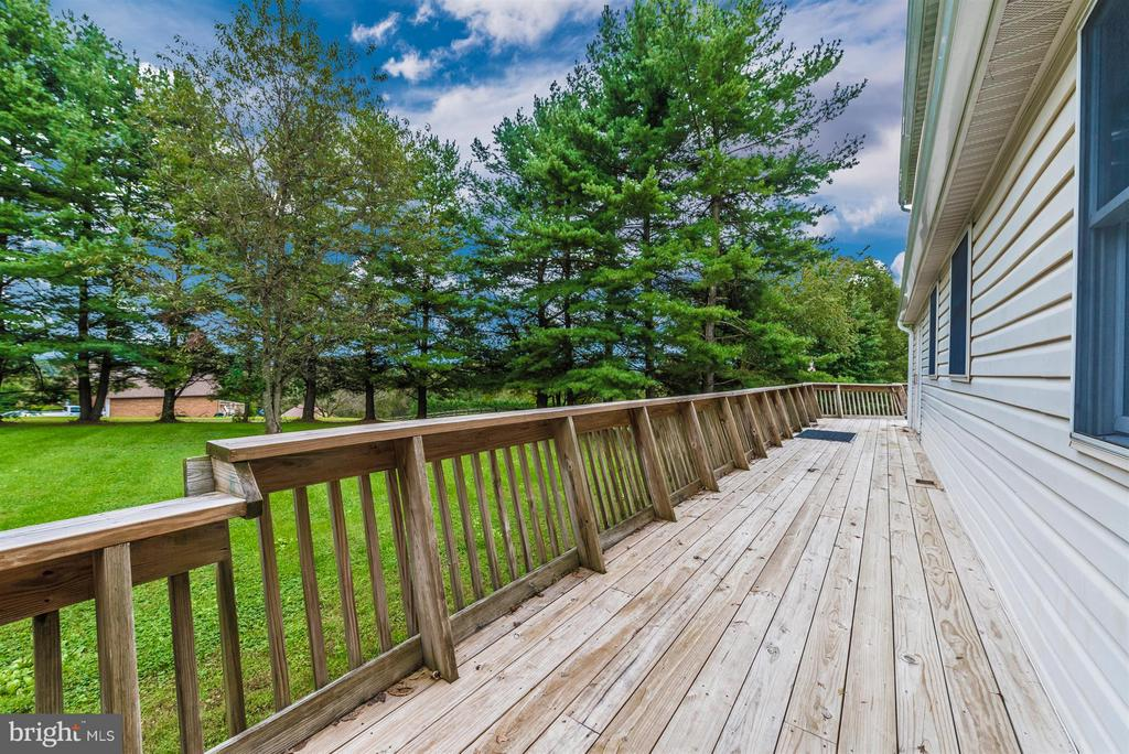 SIDE DECK TO FRONT OF PROPERTY - 7433 OLD WASHINGTON RD, WOODBINE