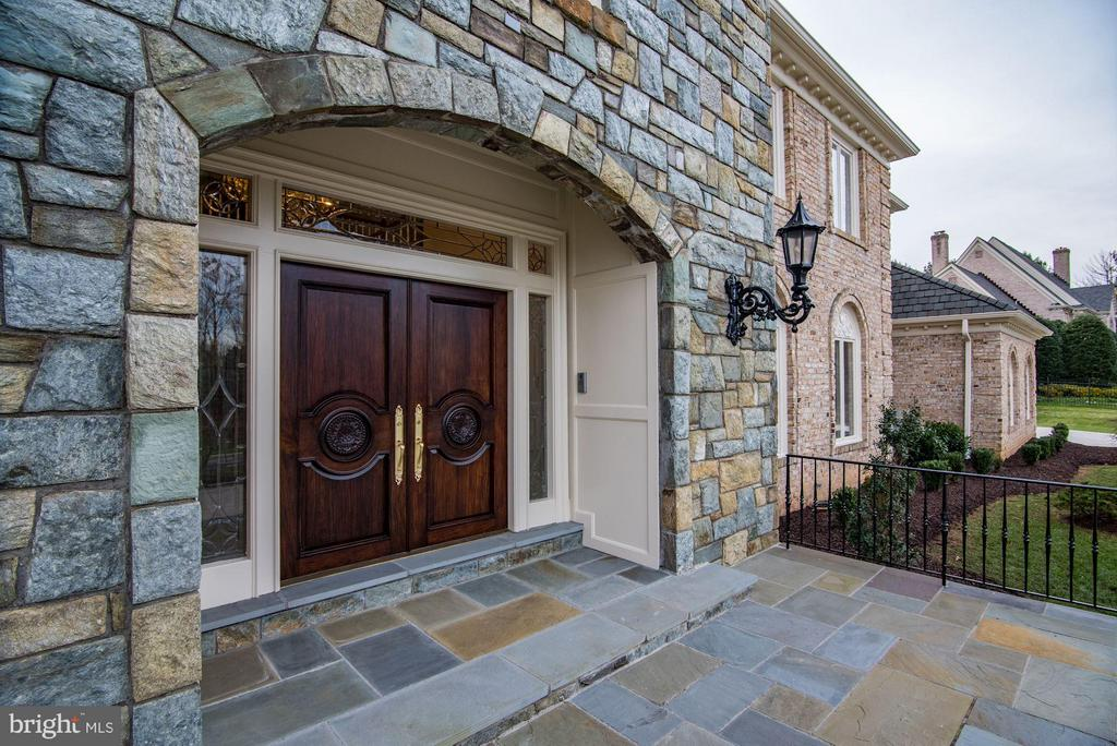 Exterior Front Entry - 10408 BIT AND SPUR LN, POTOMAC