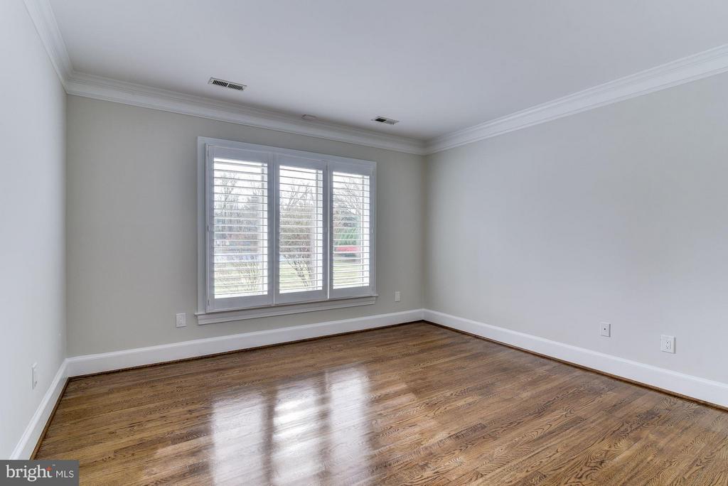 Bedroom # 4 Upper Level - 10408 BIT AND SPUR LN, POTOMAC