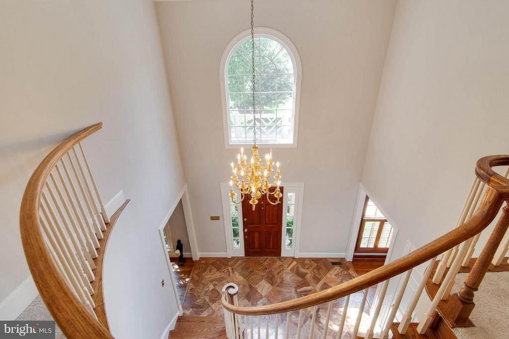 Two Story Foyer - 43322 BUTTERFIELD CT, ASHBURN