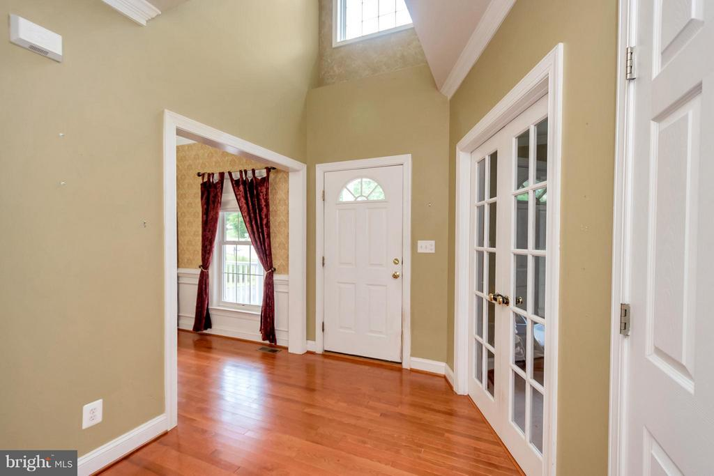 Entrance Foyer - 11904 BUTTERCUP LN, FREDERICKSBURG