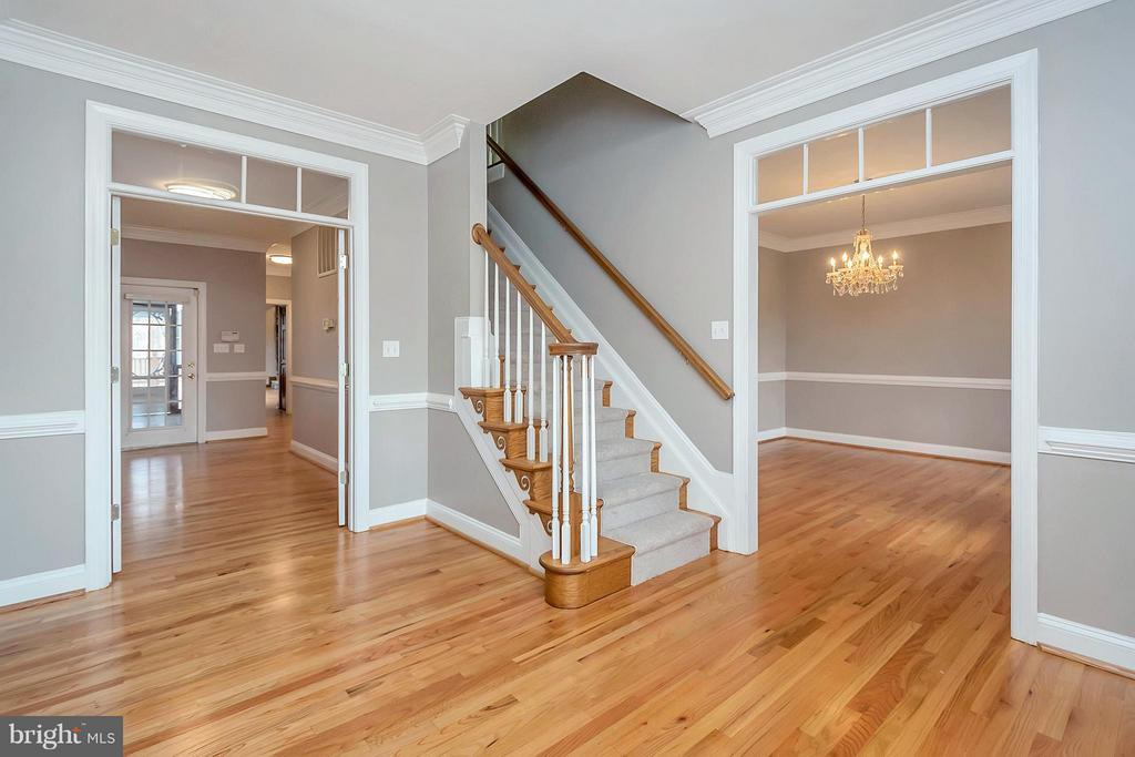 Entrance Foyer - 7100 MONUMENT CT, SPOTSYLVANIA
