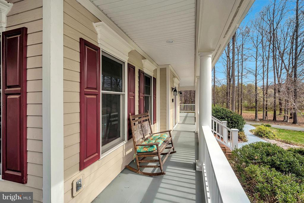 Relax on your front porch - 7100 MONUMENT CT, SPOTSYLVANIA