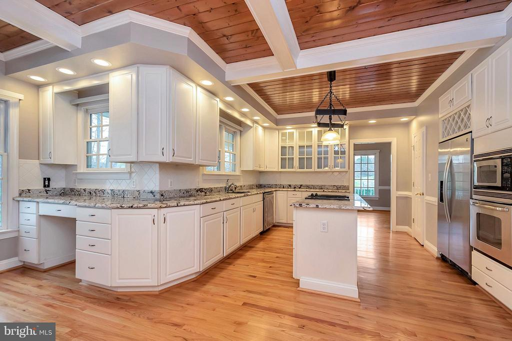 Gorgeous gourmet kitchen - 7100 MONUMENT CT, SPOTSYLVANIA