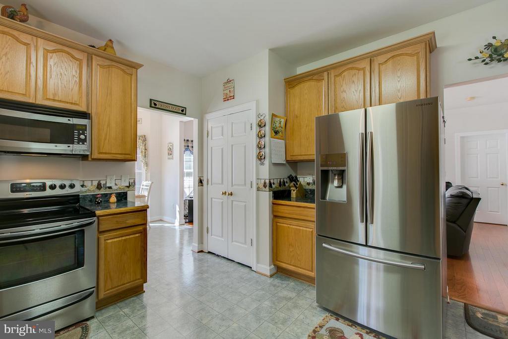 Kitchen - 121 CASCADE LN, FREDERICKSBURG