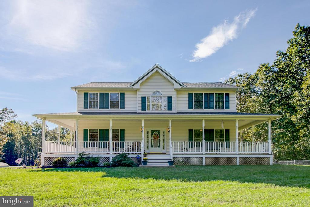 Beautiful Colonial - 121 CASCADE LN, FREDERICKSBURG