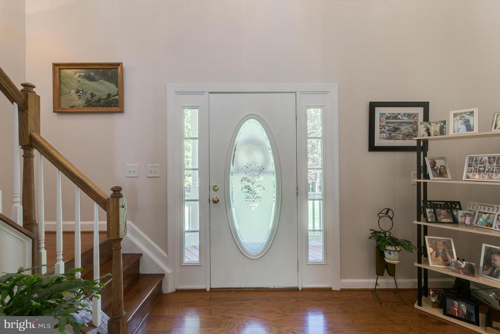 Welcoming Foyer - 121 CASCADE LN, FREDERICKSBURG