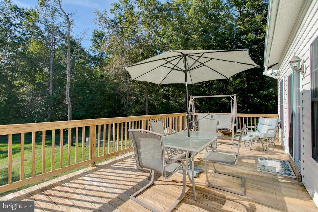 Enjoying The Outdoors - 121 CASCADE LN, FREDERICKSBURG