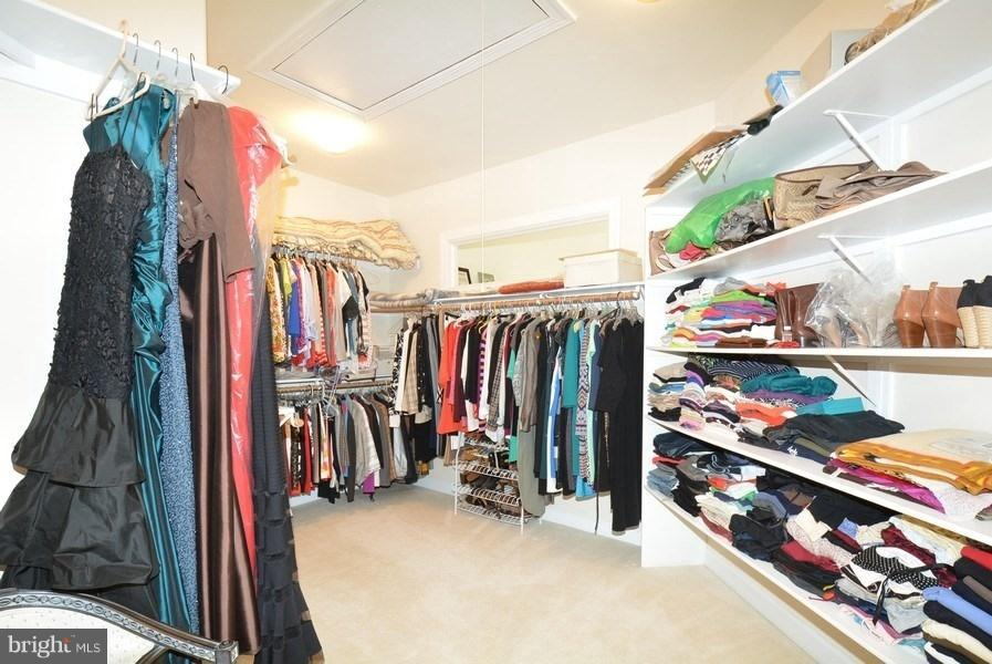Master BR huge Walk-in Closet - 4200 PINERIDGE DR, ANNANDALE