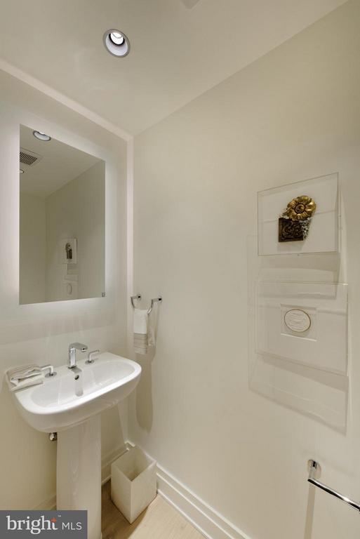 Powder Room - 2501 M ST NW #211, WASHINGTON