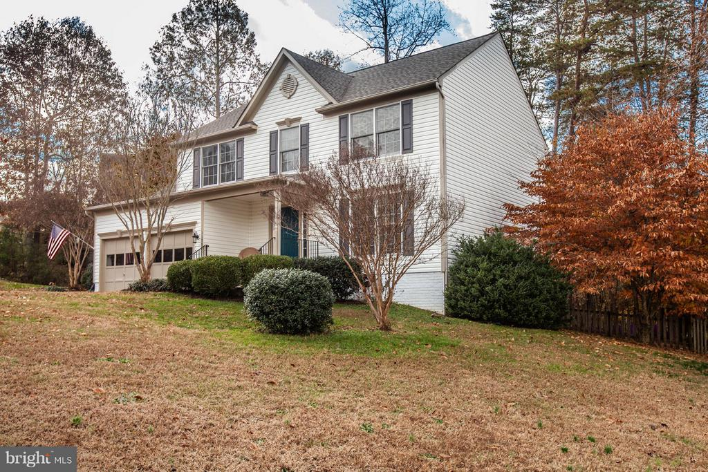 Beautiful wooded corner lot ! - 11708 S OXBOW CT, FREDERICKSBURG