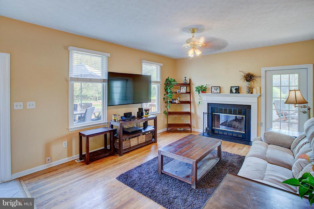 Wood burning fireplace in family room. - 35086 HARRY BYRD HWY, ROUND HILL