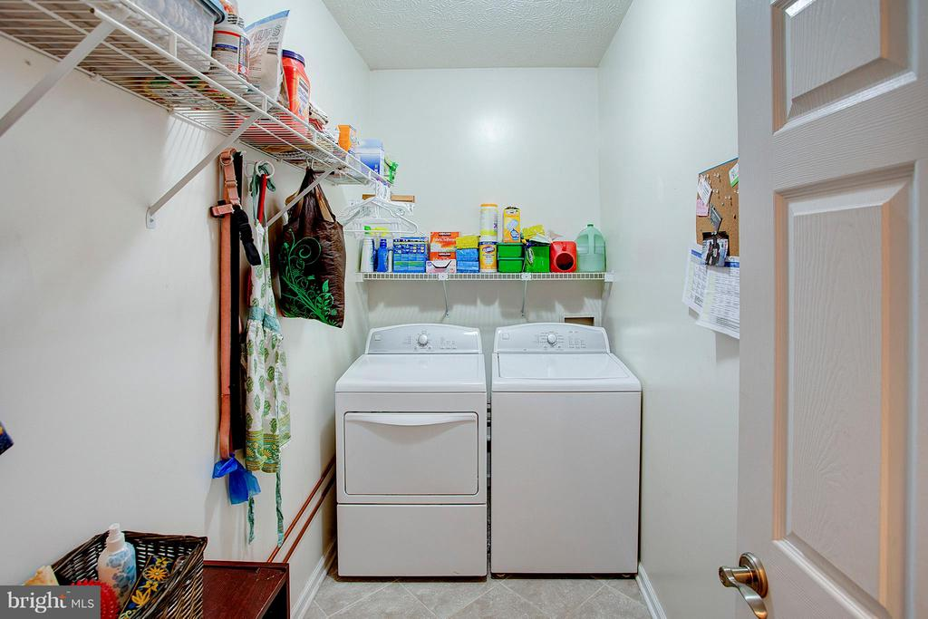 Main level laundry and storage. - 35086 HARRY BYRD HWY, ROUND HILL