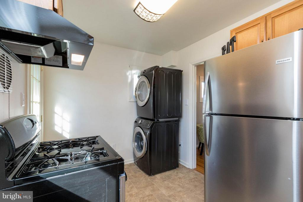 Brand new washer/dryer - 6800 DUKE DR, ALEXANDRIA