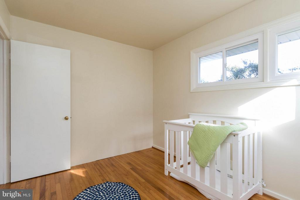 Second bedroom on main level - 6800 DUKE DR, ALEXANDRIA