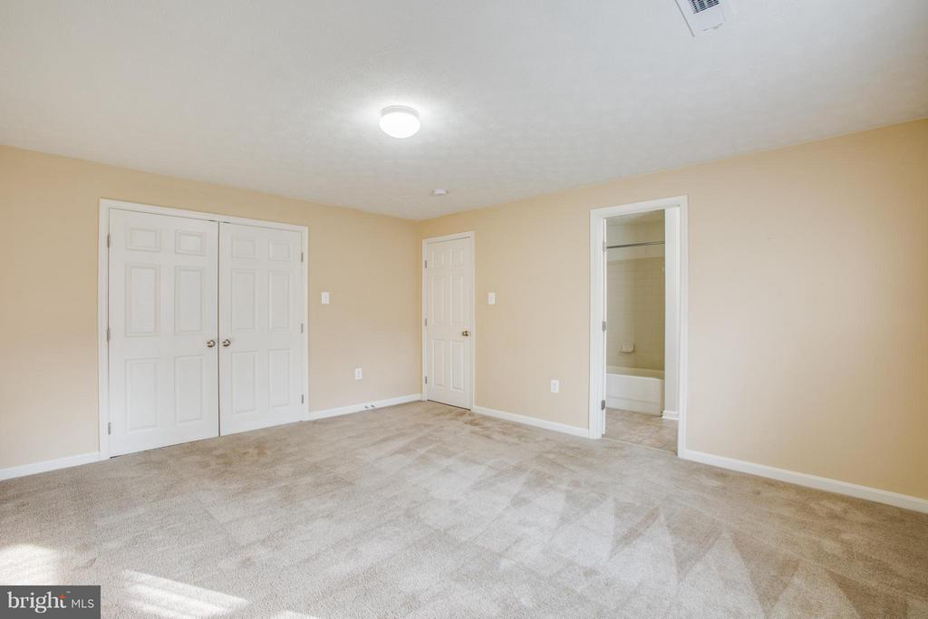 With large closet and  connected to full bathroom - 81 FOUNTAIN DR, STAFFORD