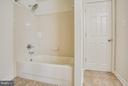 Full basement bath with shower - 81 FOUNTAIN DR, STAFFORD