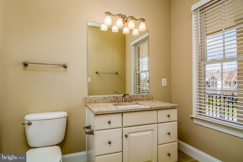 COMPLETELY REDONE BATH IN BR #3 W/GRANITE C'TOP - 12282 TIDESWELL MILL CT, WOODBRIDGE