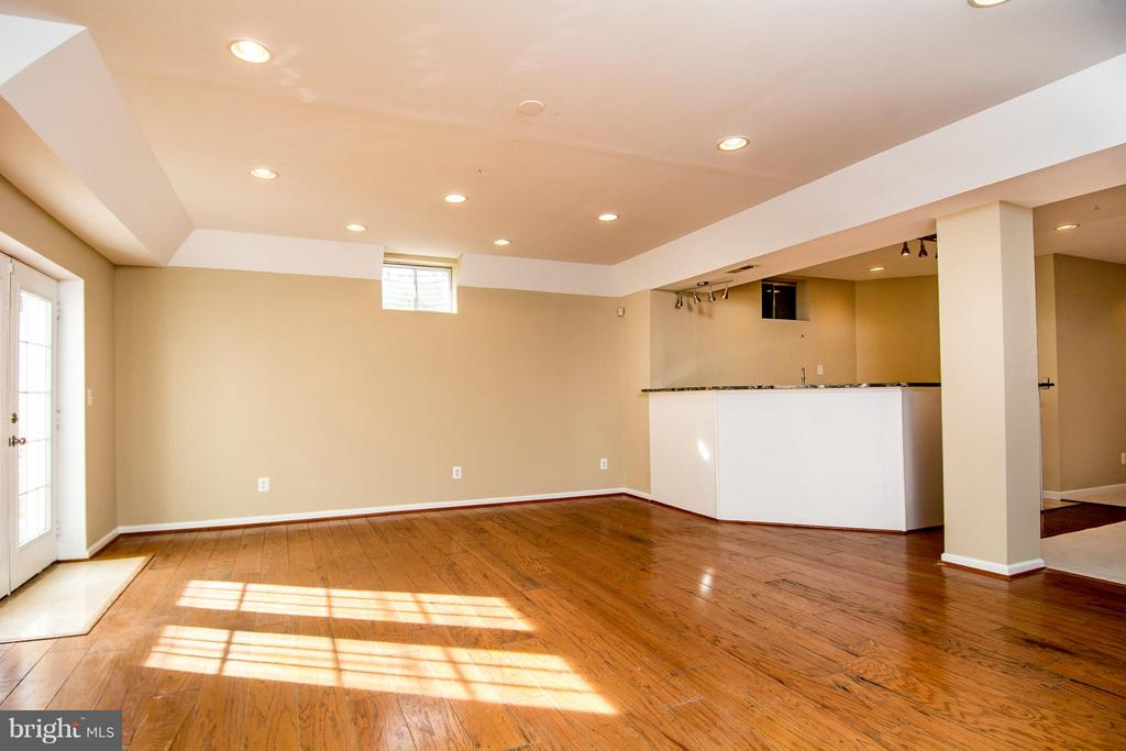 PART OF REC ROOM HAS TRAY CEILINGS - 12282 TIDESWELL MILL CT, WOODBRIDGE