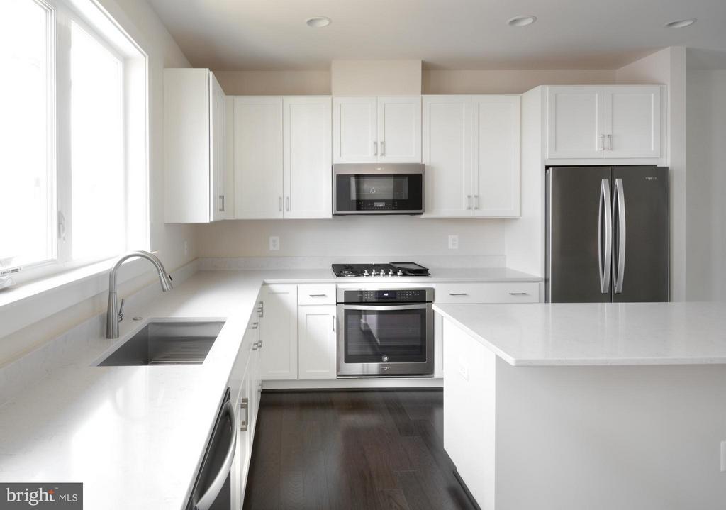 Kitchen - 16198 DECKER PL #COPELAND, ROCKVILLE