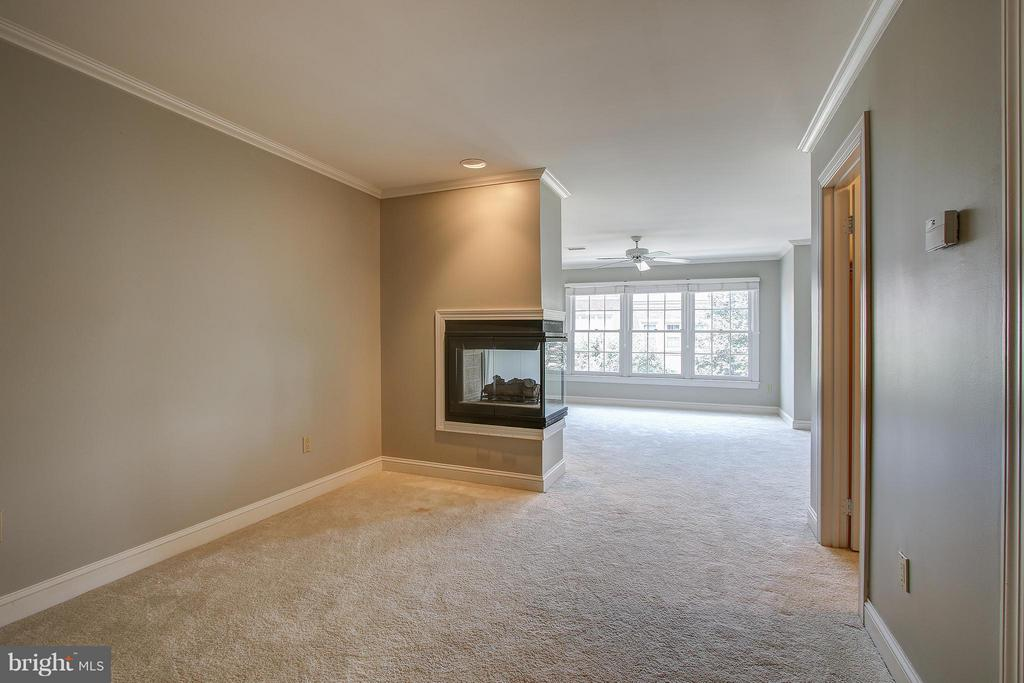 Bedroom (Master) - 1504 COLONIAL CT N, ARLINGTON