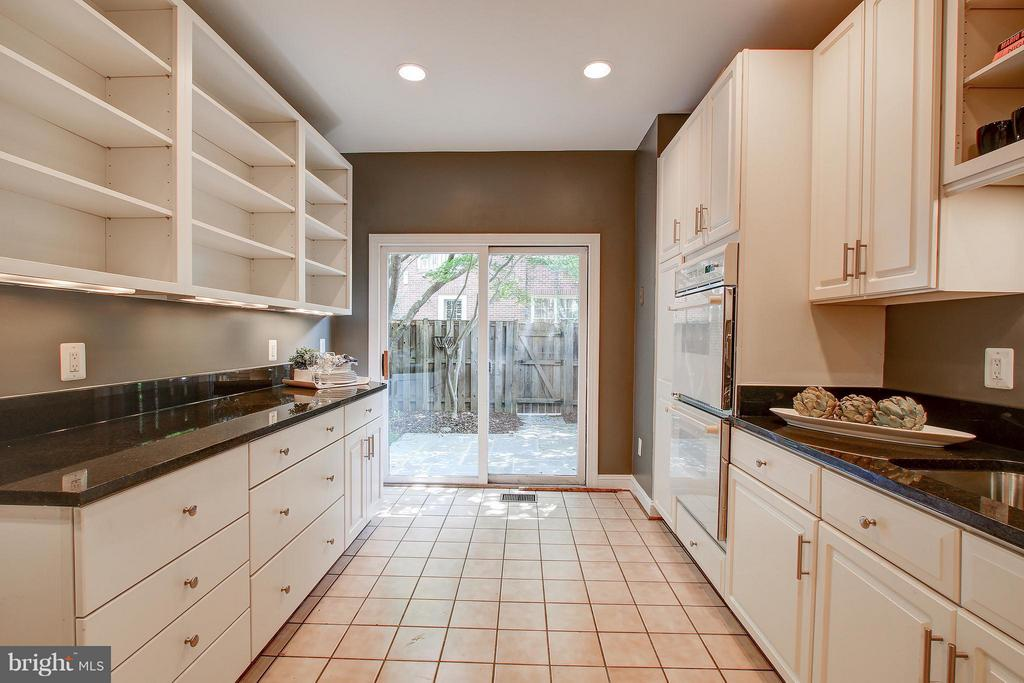 Kitchen - 1504 COLONIAL CT N, ARLINGTON