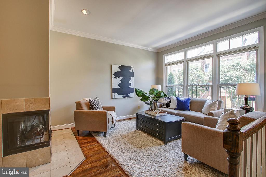 Living Room - 1504 COLONIAL CT N, ARLINGTON