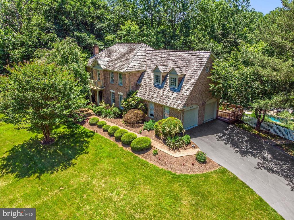 Custom Waterfront  Home on the Occoquan - 10637 AVONDALE DR, MANASSAS